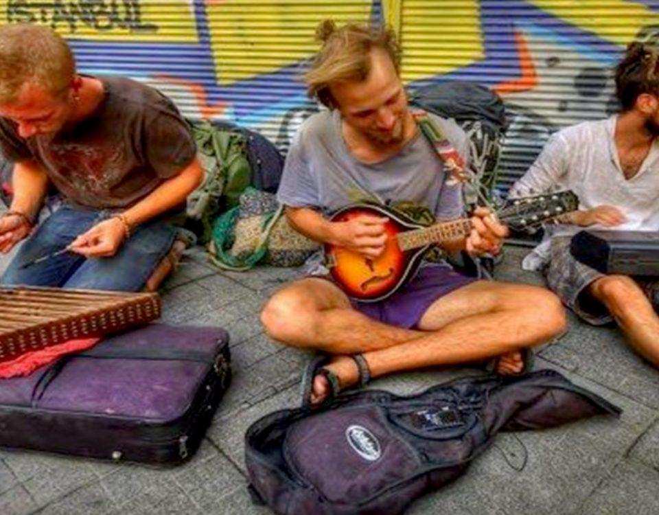 نوازندگی خیابان. busking
